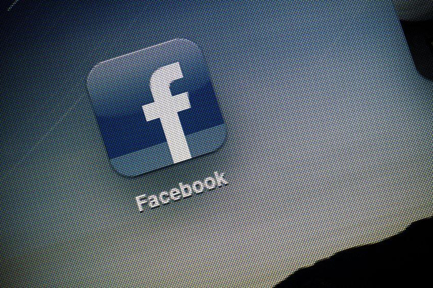 Visszaél a Facebook az erőfölényével?